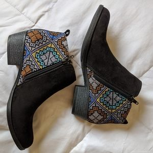 INDIGO RD. - CAIN EMBROIDERED ANKLE BOOTIE